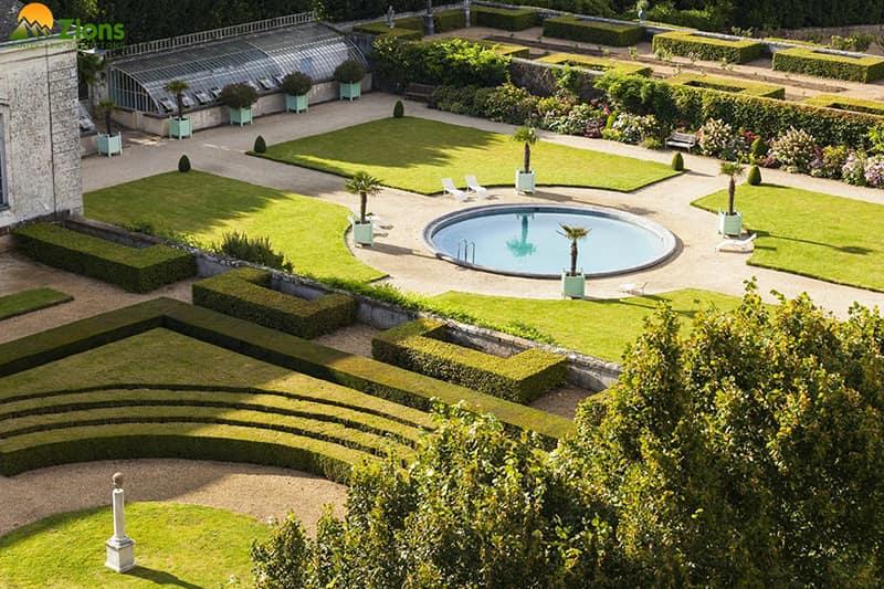 Sân vườn lâu đài biệt thự